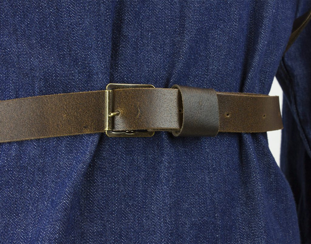 Chestnut leather cross back apron buckle